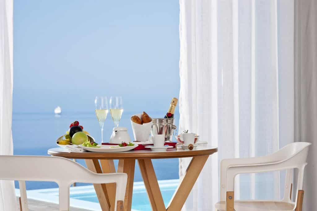 Kouros Hotel & Suites Gay Mykonos Guide