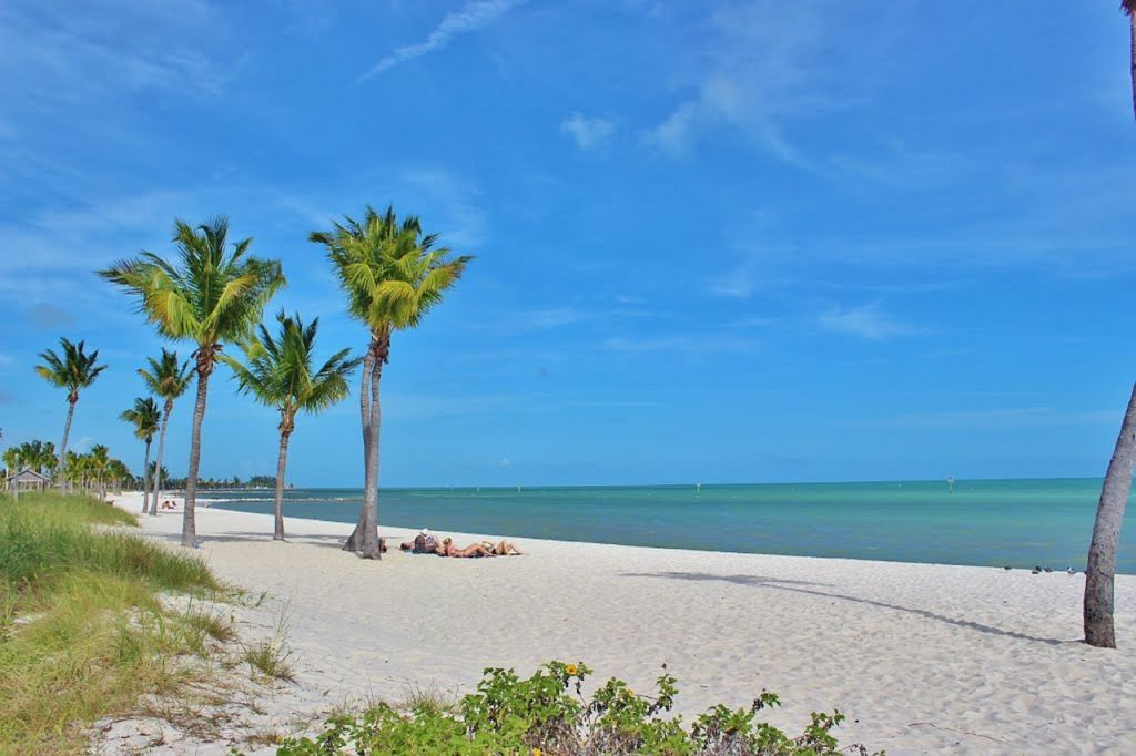** island house gay resort ** gay men's resort key west ** gay friendly bed and breakfast key west ** gay key west vacation packages ** gay guest houses key west fl ** gay guest houses in key west florida **